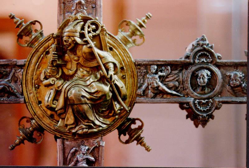 Detalle cruz Museo de la Iglesia Merced, Huete (Cuenca)